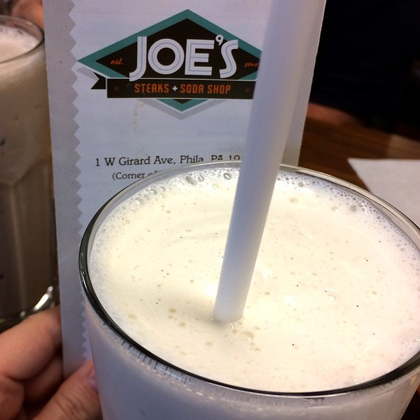 Vanilla Milkshake @ Joe's Steaks + Soda Shop