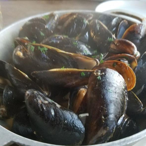 Mussles In Lobsters Sauce @ Raizes