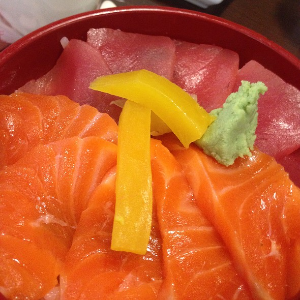 Tekka Shakedon with Miso soup