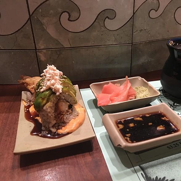 Special Roll @ Warakubune Sushi Restaurant