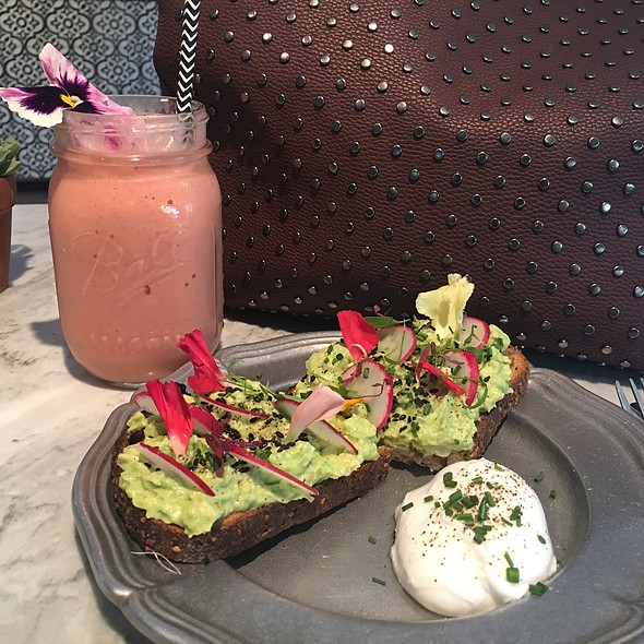 Avacado Toast @ Topanga Living Cafe
