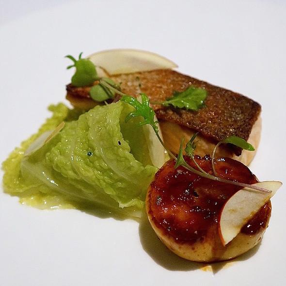 Icelandic roasted salmon, cabbage, gala apple