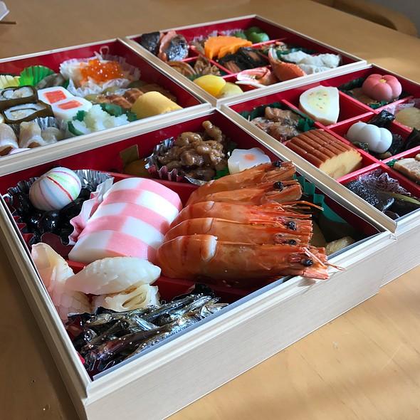 おせち Japan Traditionally New Year's Dishes @ 110's home