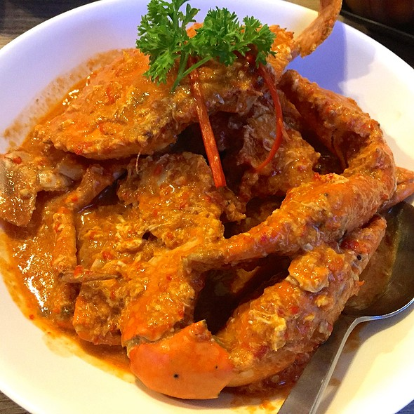 Red Chilli Crab @ Momma Kong's