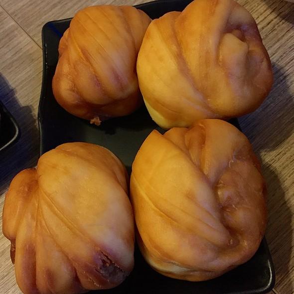 Deep Fried Mantou @ Momma Kong's