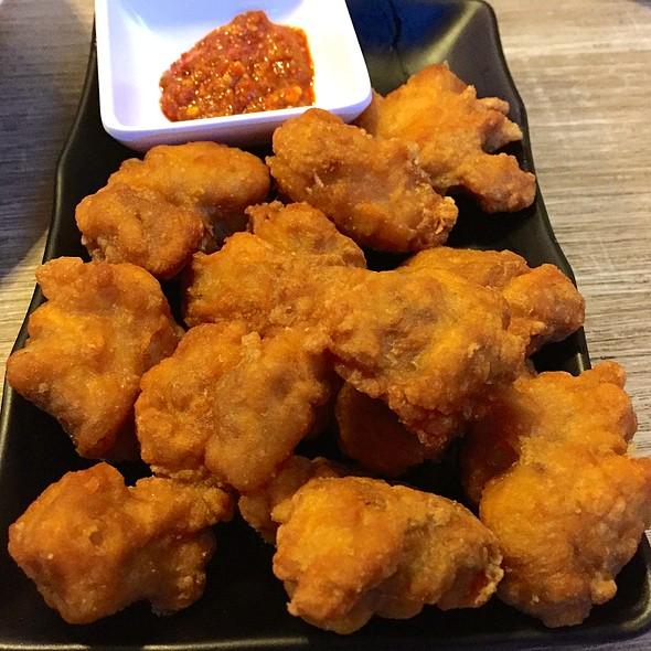 Crispy Chicken Chunks @ Momma Kong's