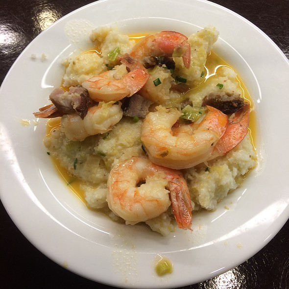 Shrimps & Grits @ The Sweet Home Cafe