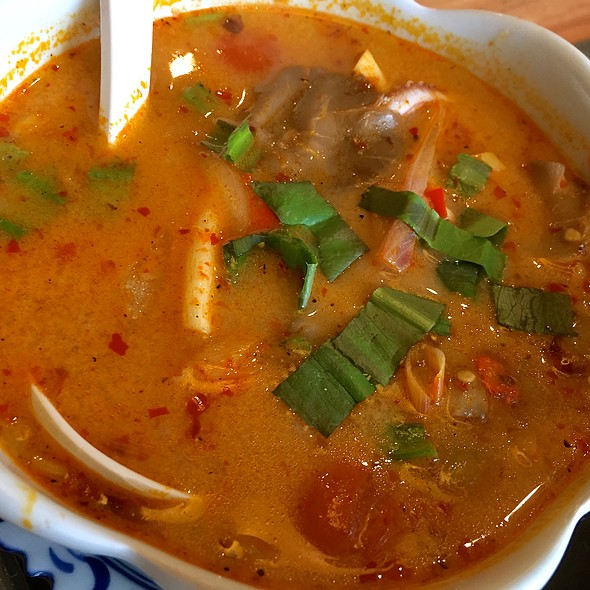 Tom Yum Seafood Soup @ Thonglor Thai Cuisine @ Ang Mo Kio Central