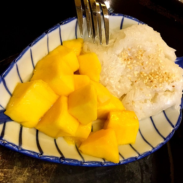 Mango Sticky Rice @ Thonglor Thai Cuisine @ Ang Mo Kio Central