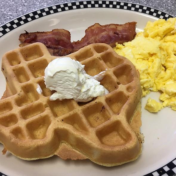 Belgian Waffle @ Vickery Blvd Cafe