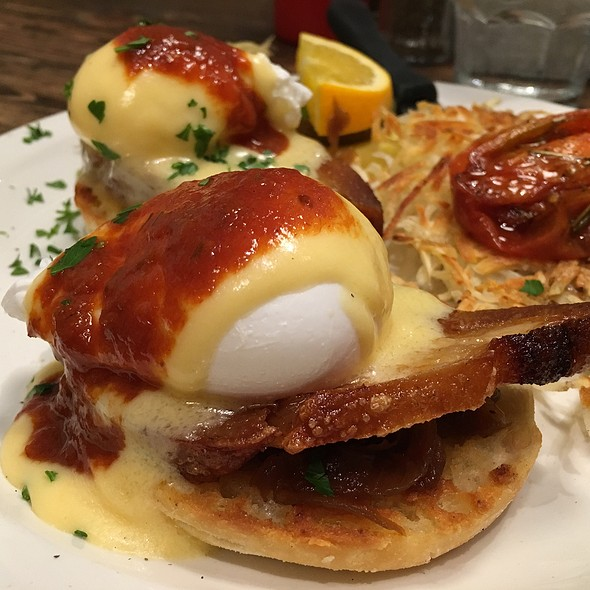 Eggs Benedict With Pork Belly @ Jam Cafe