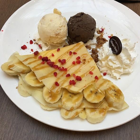 Banana Caramel Crepe @ Häagen-Dazs
