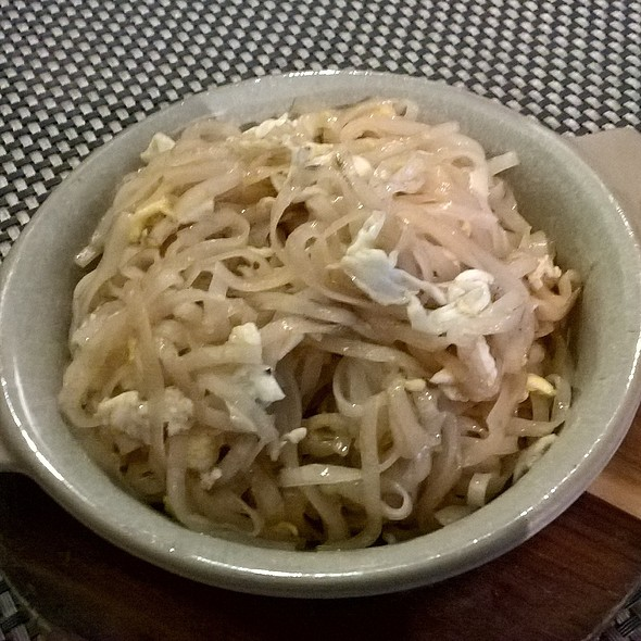 Noodles with Beansprouts and Egg