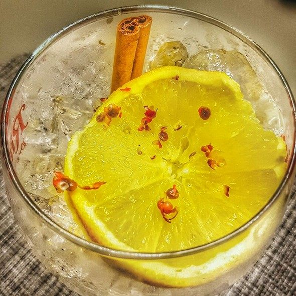 Botanic W&H Gin With Fever Tree Tonic Water