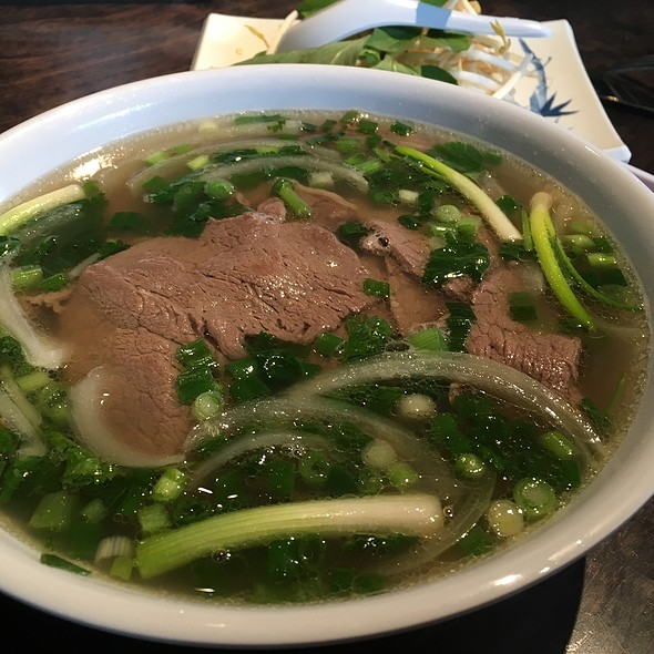 Deluxe Pho @ King Crab Tap House