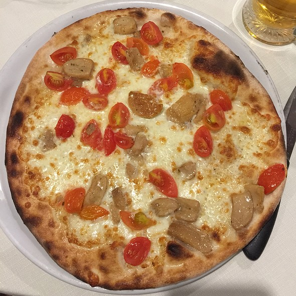 Buscaiola Pizza Con Funghi Porcini @ Dal Pescatore