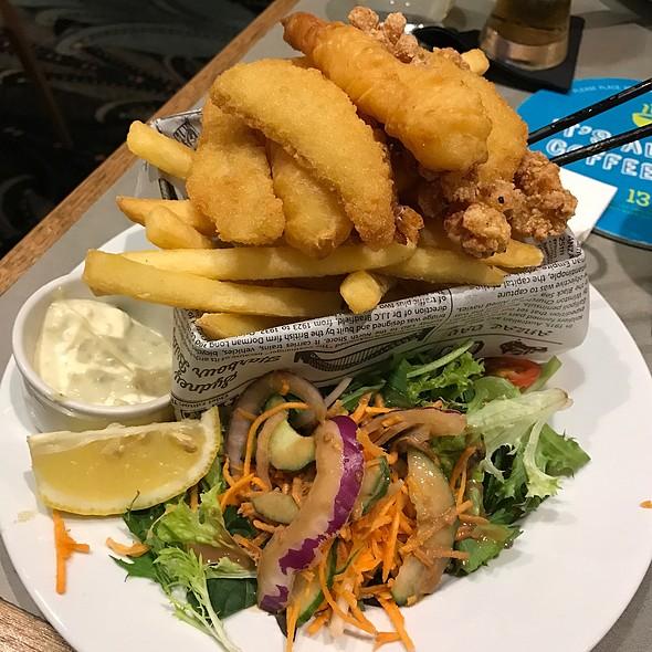 Seafood Basket @ Kedron-Wavell Services Club