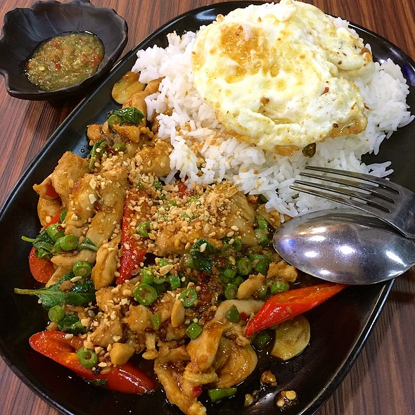 Minced Chicken With Basil & Egg @ Siam Village