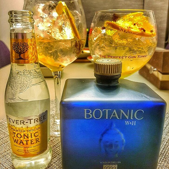 Botanic Gin, Fever Tree Tonic Water, Grapefruit, Cilantro