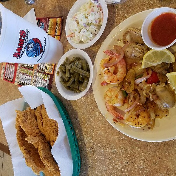 Fried Fish Grilled Shrimp & Oysters