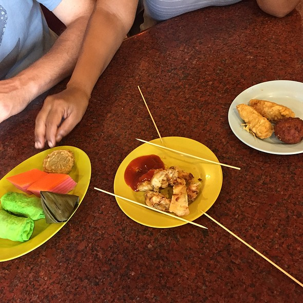 nyonya kuih @ The Lotus Family Restaurant