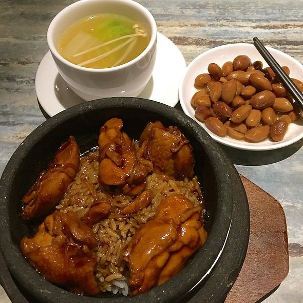 Simmered Sesame Chicken Pot Serve With Rice @ Souper Tang, The Centrepoint. 汤师父