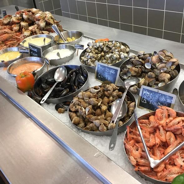 Buffet De Fruits De Mer