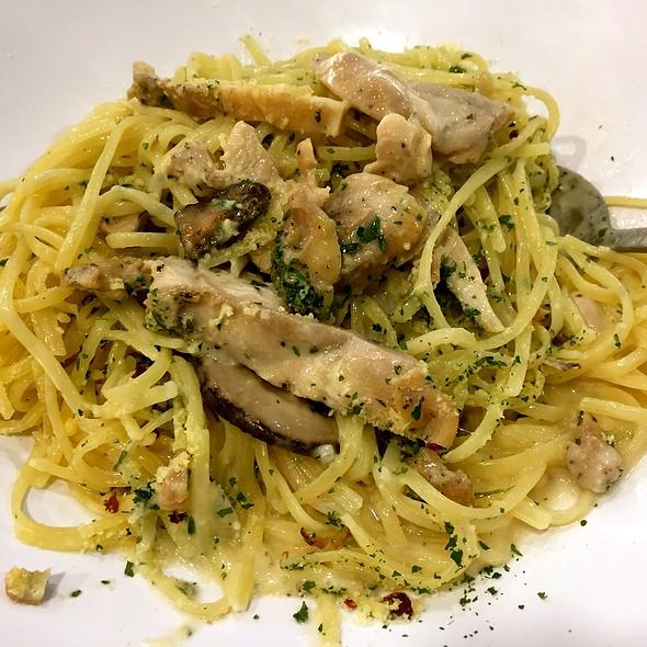 Chicken Alfredo Pasta @ Food Junction @ Great World City