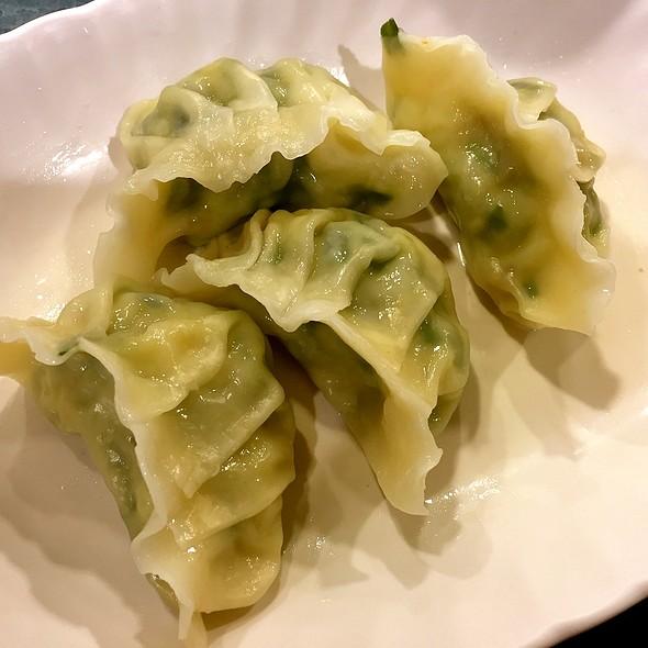 Steamed Veggie Dumplings @ Rabbit Brand Seafood Delicacies