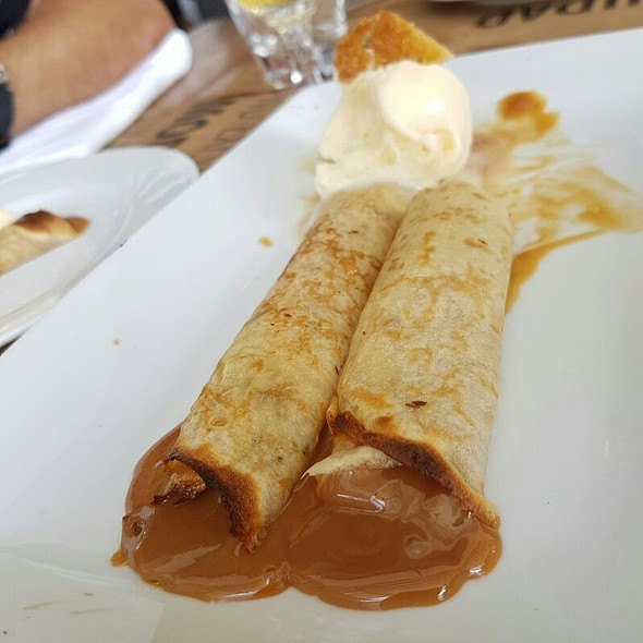Panquecas De Dulce De Leche  @ Corrientes 348