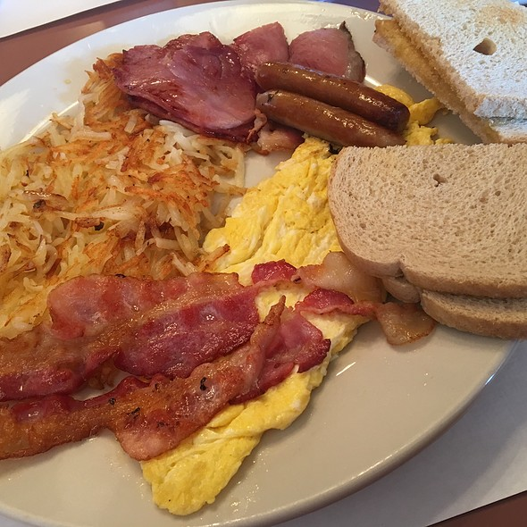 Hearty Breakfast @ Layton Gyros