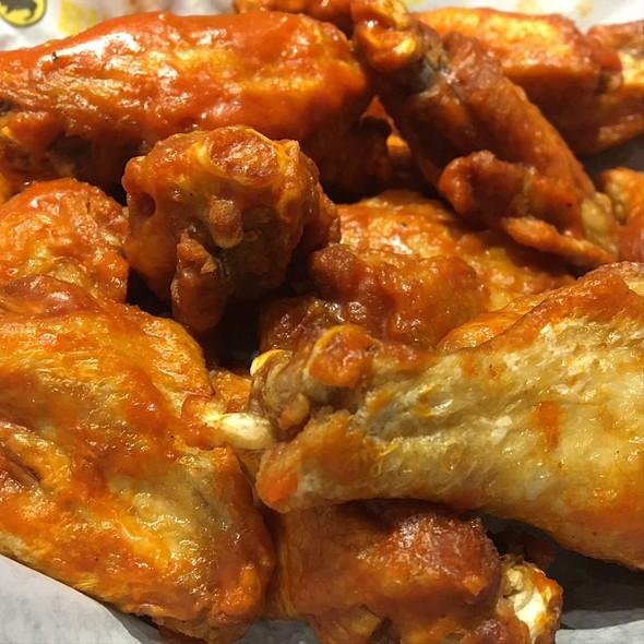 Buffalo Wings @ Buffalo Wild Wings