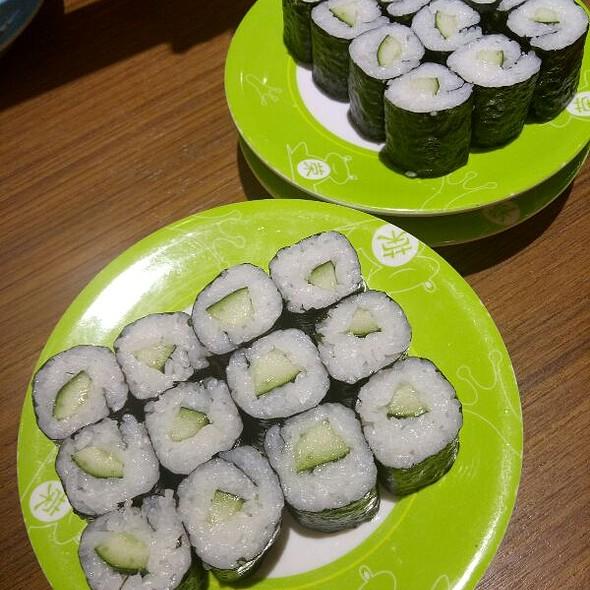 Cucumber Maki Sushi Rolls