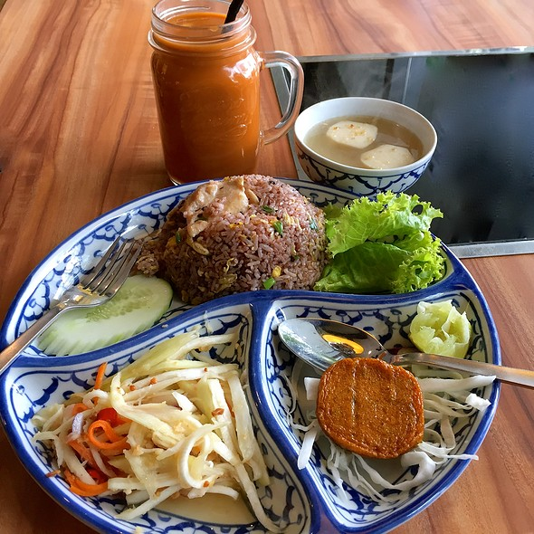 Lunch Special Meal @ Thonglor Thai Cuisine @ Ang Mo Kio Central