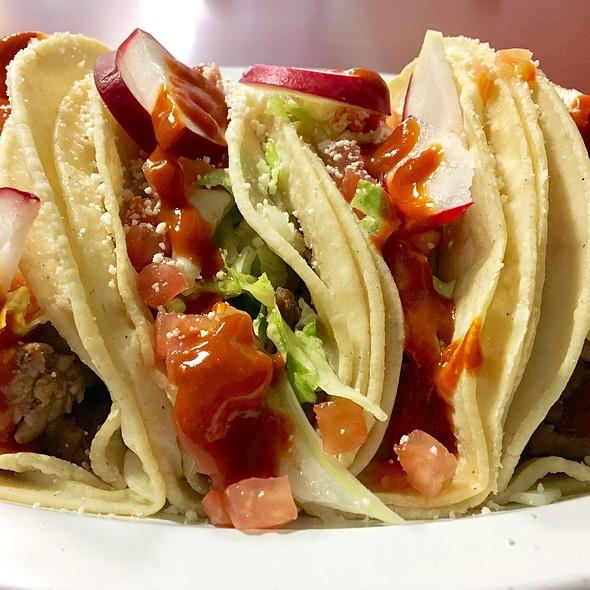 Carne Asada Tacos @ La Lupita