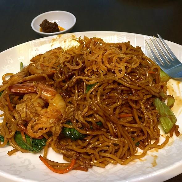 XW Signature Stir-fried Noodles  @ Xin Wang Hong Kong Cafe - Djitsun Mall