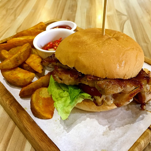 Teriyaki Chicken Burger @ Eighteen Chefs - AMK Hub