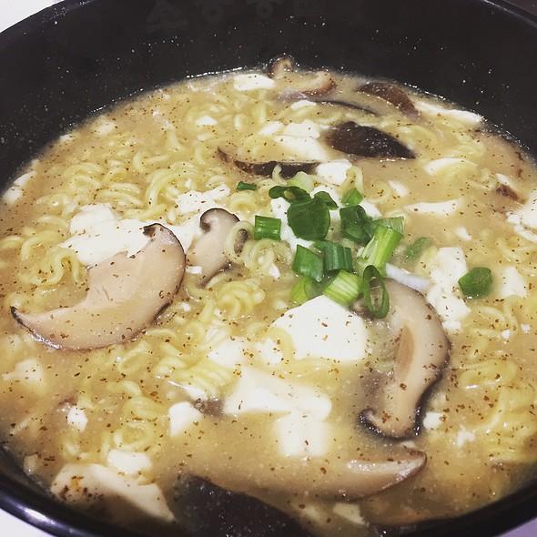 Mushroom Tofu Ramen