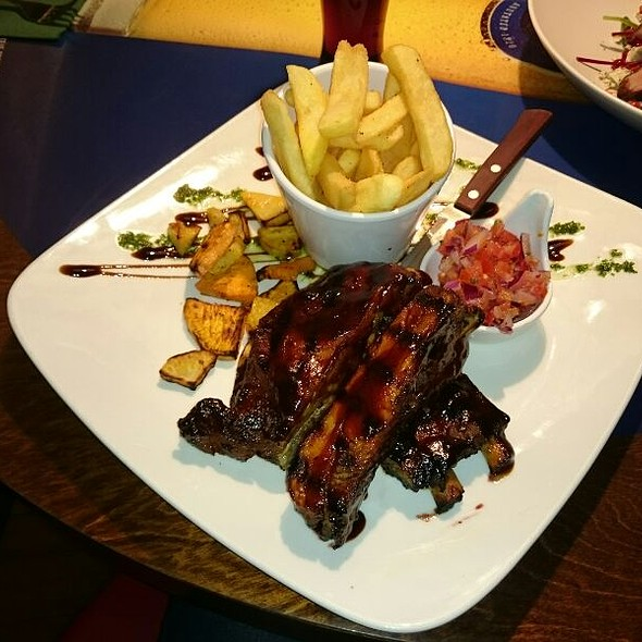 Babyback Ribs & Fries