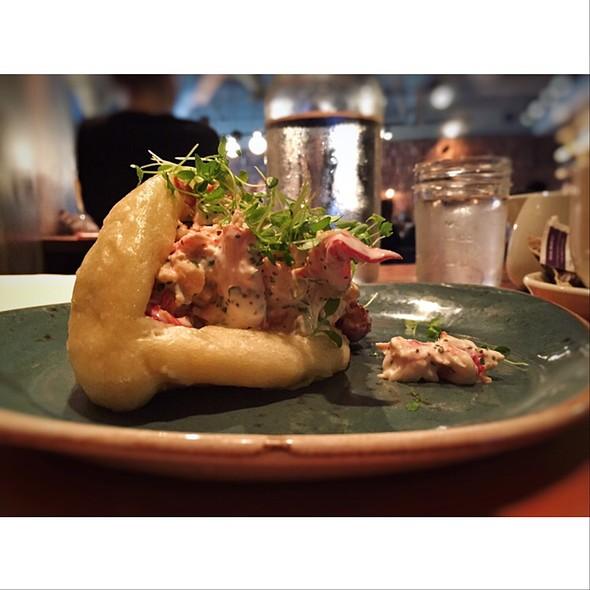 Lobster Bun @ Seven Lamps