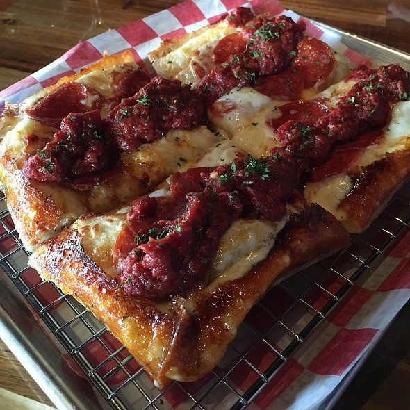 Pepperoni Detroit Style Pizza @ Rooftop Pizza Pub