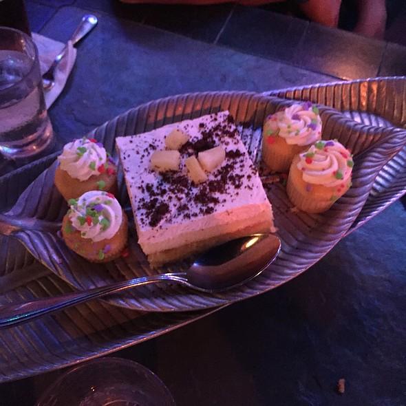 Dessert @ Luau Cove