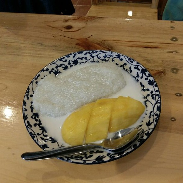 Mango With Sticky Rice @ Nice Kitchen