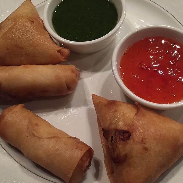 Samosa & Vegetable Roll
