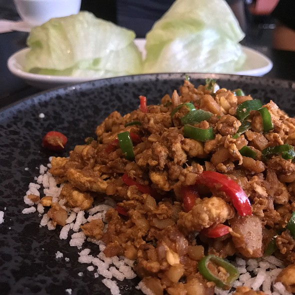 Chicken San Choy Bau (Chicken Stir Fried With Water Chestnut, Onion, Shallots And Curry Powder Served In A Lettuce Leaf)