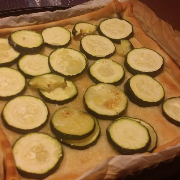 Focaccia alla Viki con Zucchine @ Gens Germana Feritate Ferocior Domus