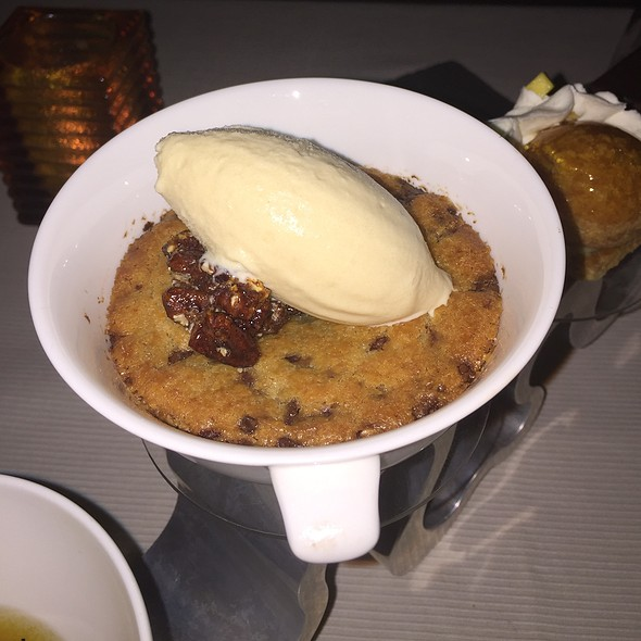 Peanut Butter Cookies With Bayles Icecream
