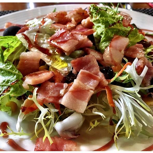 Ananida Amb Trossets De Bacom @ Restaurant La Cirera