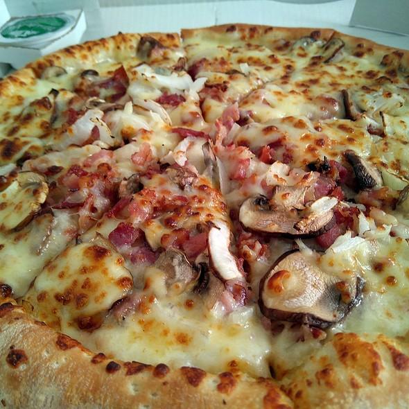 Carbonara Pizza @ Papa John's Pizza