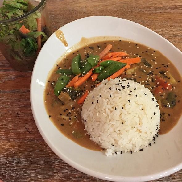 Vegetarisches Peanut Curry